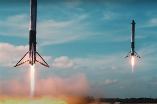 """Çin'in """"yeniden kullanılabilir"""" uzay gemisi yer yüzüne indi"""